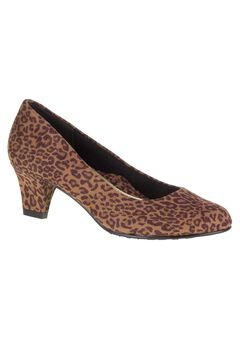 Gail Pumps by Soft Style,
