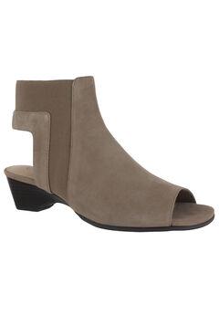 Parson Sandals by Bella Vita®,
