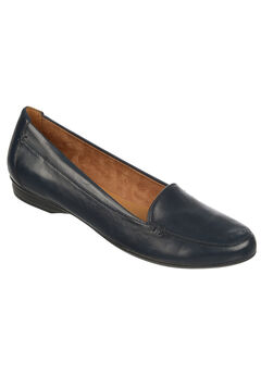 Saban Flats by Naturalizer®,