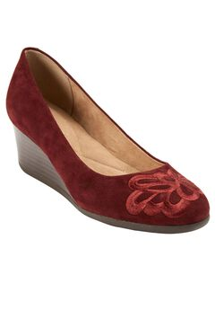 Larcie Pump by Easy Spirit®,