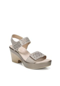 Mckenna Sandal by SOUL Naturalizer,