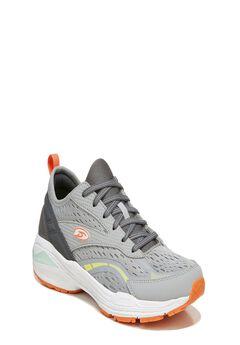 Blast Sneakers,
