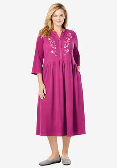 Embroidered Thermal Dress With Three-Quarter Sleeves,
