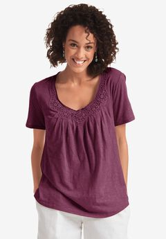 Top in soft slub knit with crochet accents ,