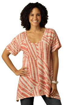 Top in print slub knit with hanky hem,