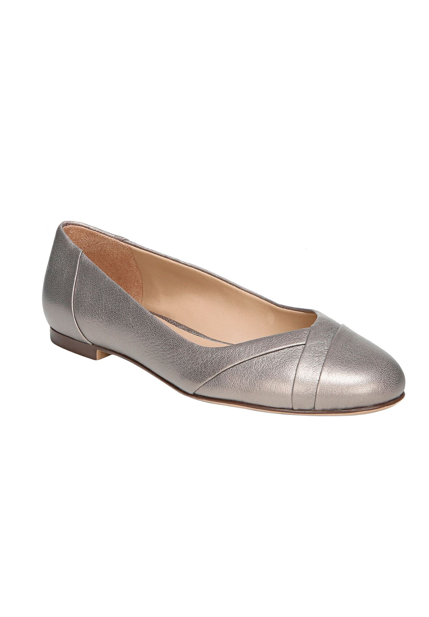 Gilly Flats by Naturalizer®,