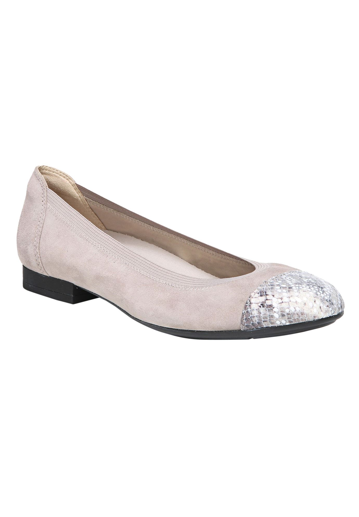 Therese Flats by Naturalizer®,