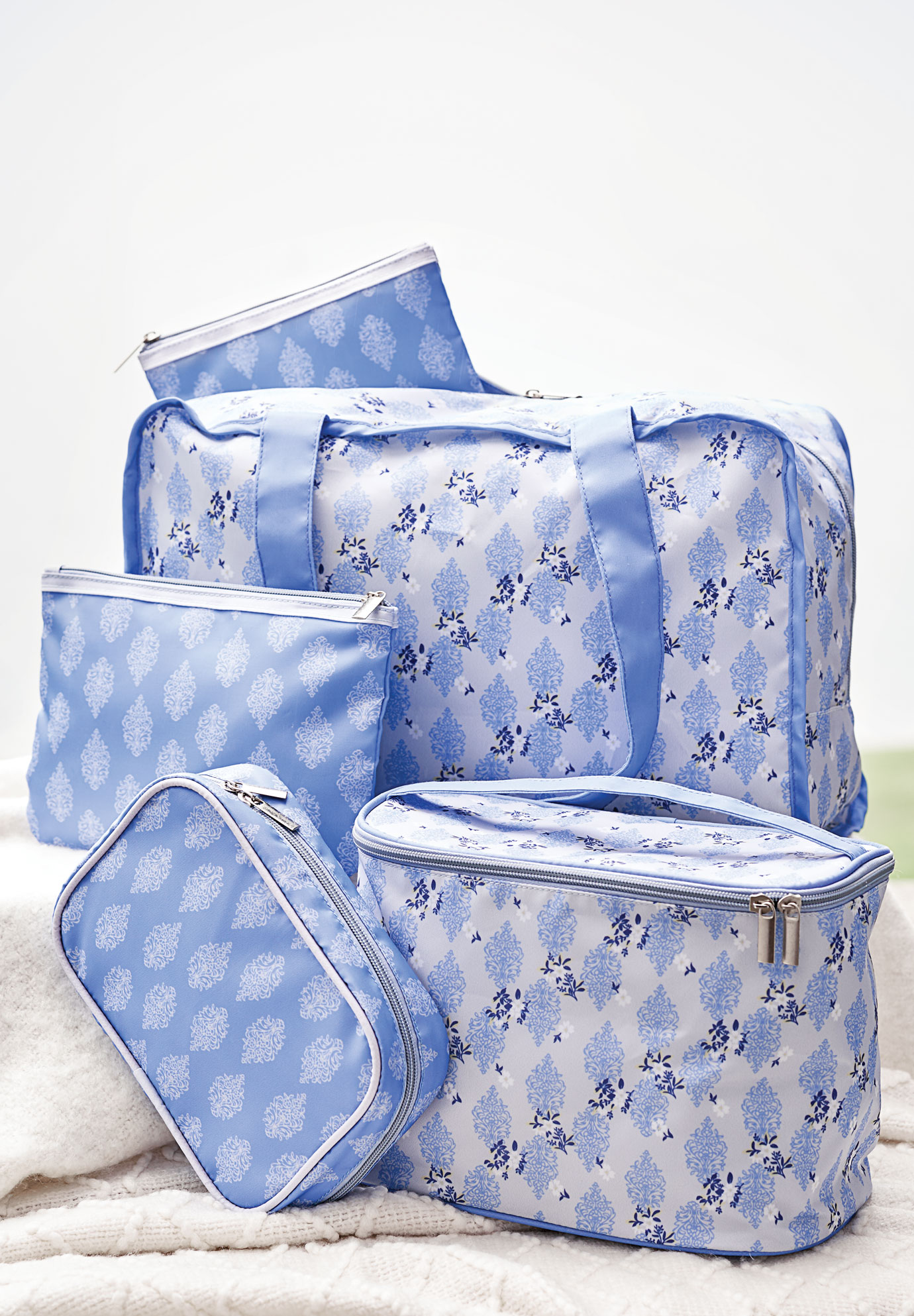 On-The-Go Storage Bag, BLUEBERRY CREAM FLORAL PRINT