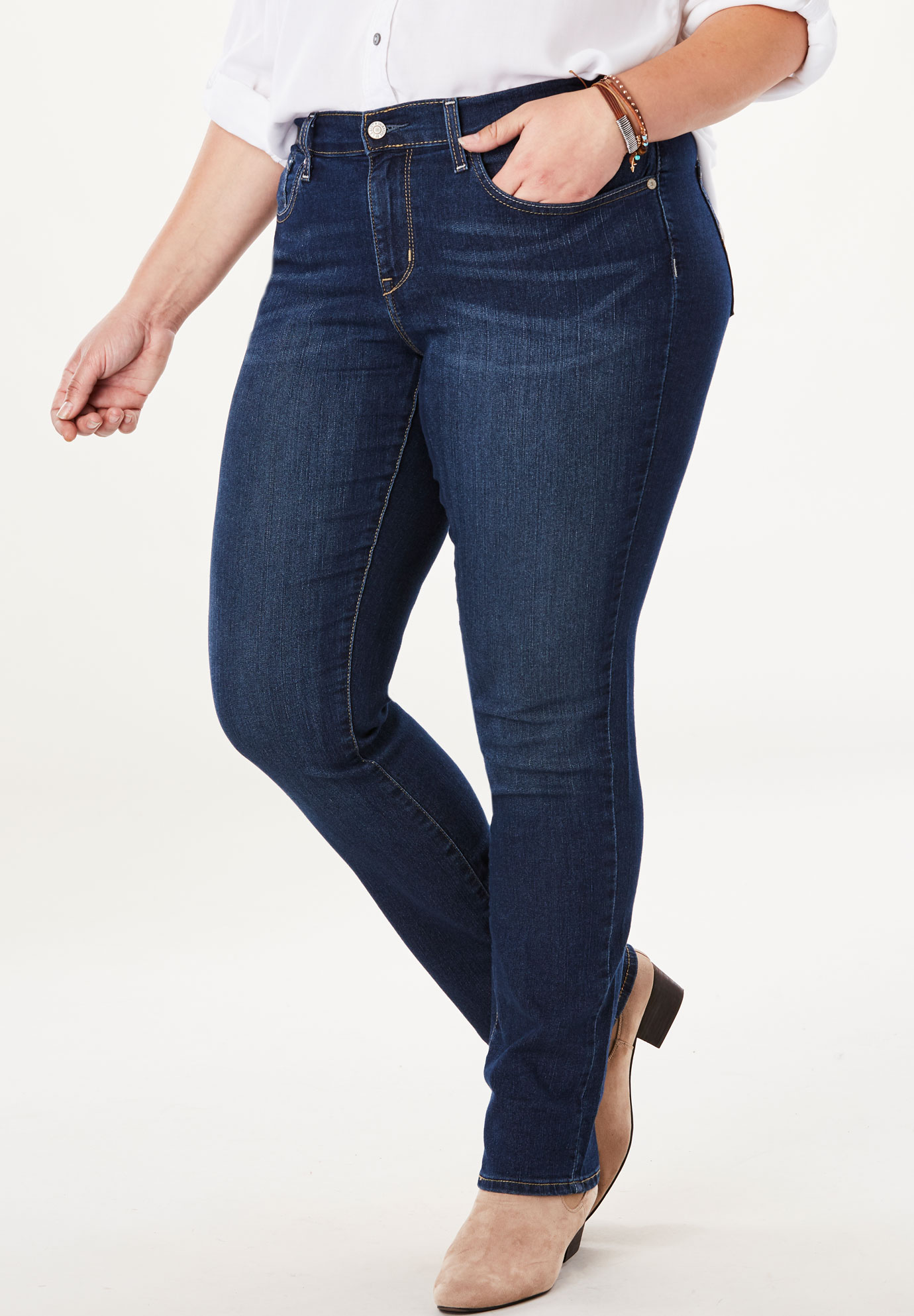 Signature by Levi Strauss & Co.™ Gold Label Women's Plus Curvy Straight Jeans,